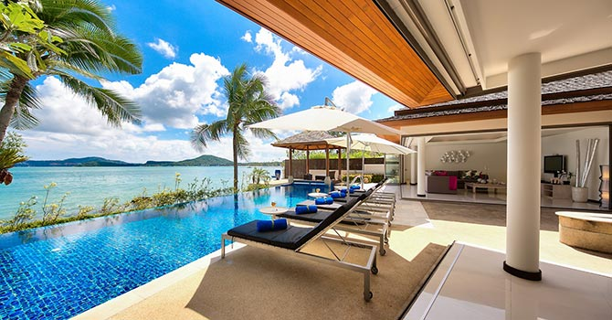 Baan Benjamart  Swimming Pool Deck
