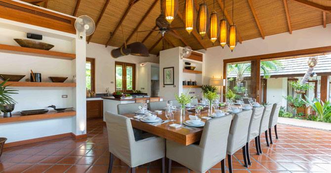 Baan Mika  Dining Table