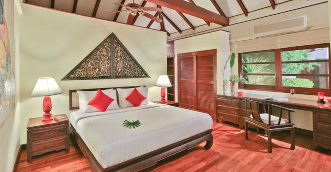 Baan Tamarind  Master Bedroom