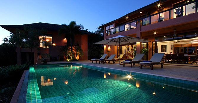 Villa Baan Chirawan  Swimming Pool at Night