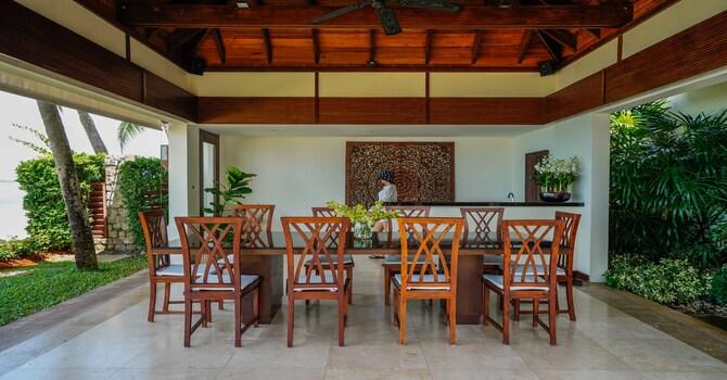 Villa Frangipani  Outdoor Dining Area