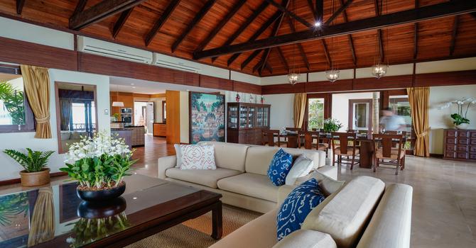 Villa Hibiscus  Indoor Living Area