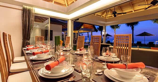 Villa Wayu  Indoor Dining Table